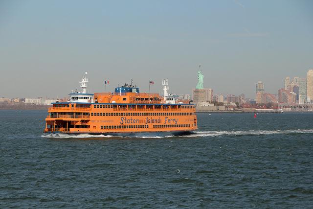 ferry nova york