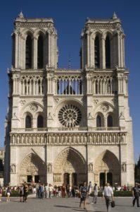 Notre-Dame-verao-em-paris