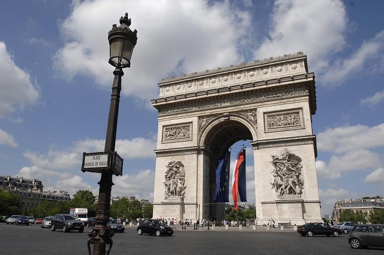 verao-em-paris-Arco do Triunfo
