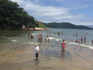 praia da mococa rio e mar