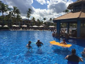 hotel em punta cana piscina