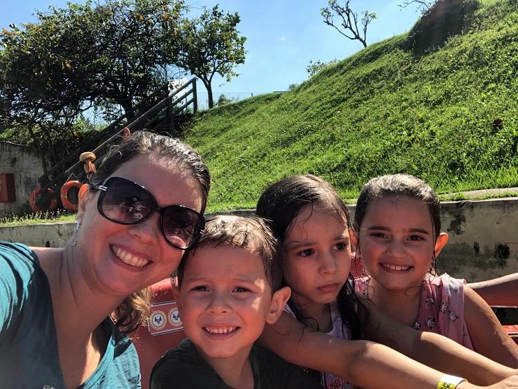 hopi-hari-com-crianças