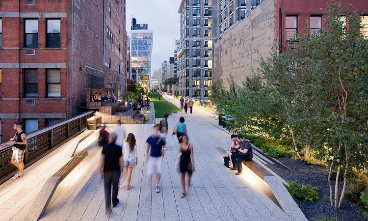 high-line-at-night
