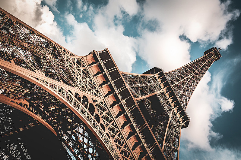 Torre Eiffel será reaberta com restrições