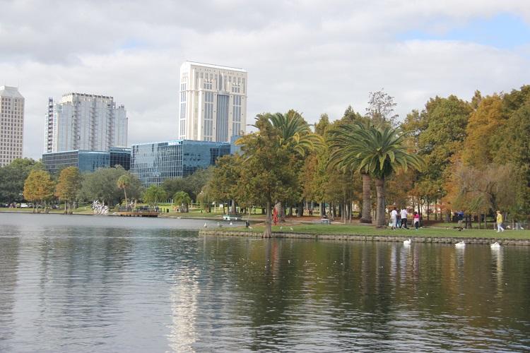 orlando-lake-eola-park