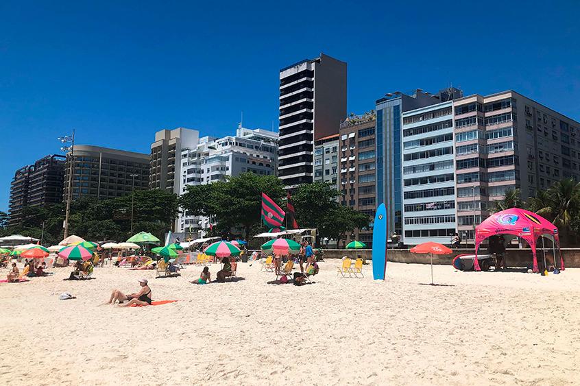 O Hotel Mirador Rio fica a 700 metros da praia de Copacabana