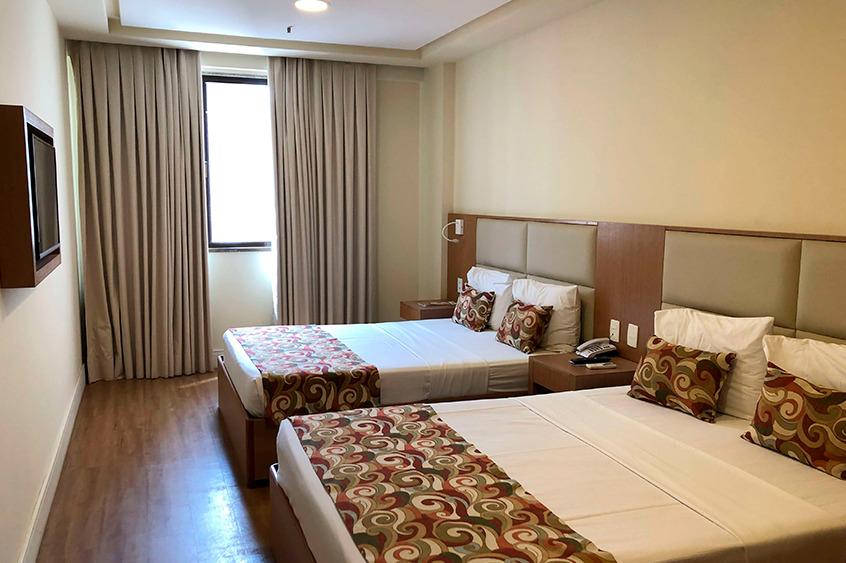 O quarto do Hotel Mirador Rio para família é bem amplo e confortável