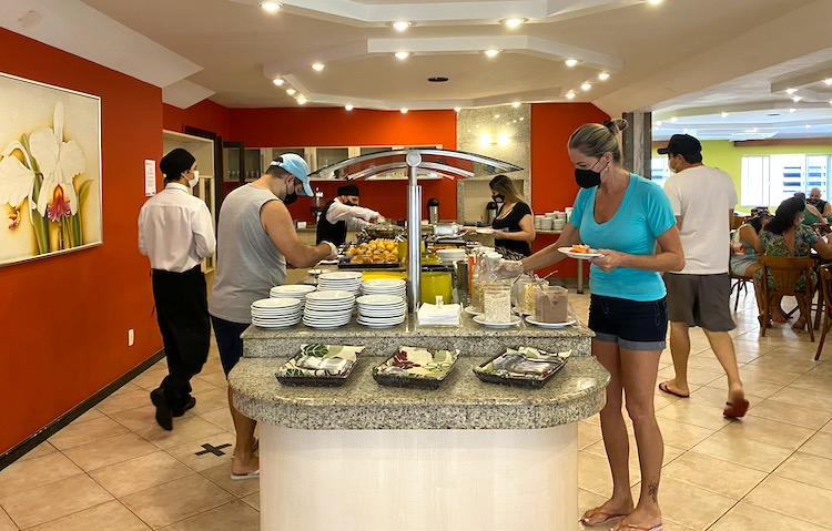 hotel-pires-balneario-cafe